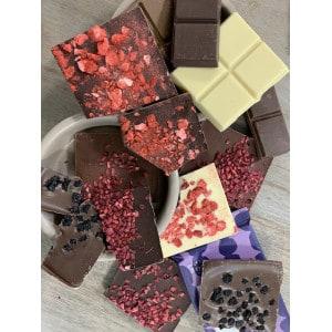 Tablette de chocolat blanc et à la fraise sans gluten produit 2